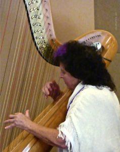 B'nai Horin Roberta Belson Harp (C) Joy Krauthammer P1110475 copy
